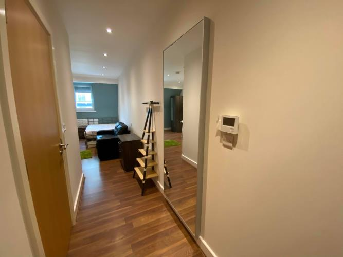 Superior Studio Apartment<br>48 Huttons Building, 146 West Street, City Centre, Sheffield S1 4AR
