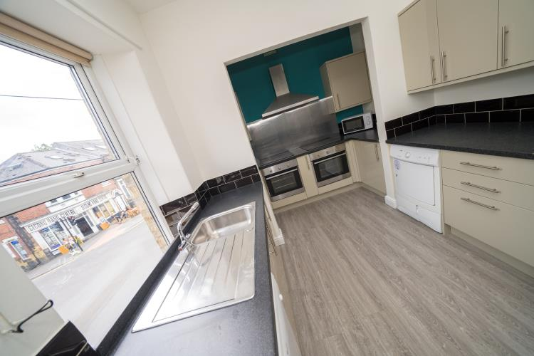 Large duplex 3 - 4 bedroom student apartment<br>180a Crookesmoor Road, Crookesmoor, Sheffield S6 3FS