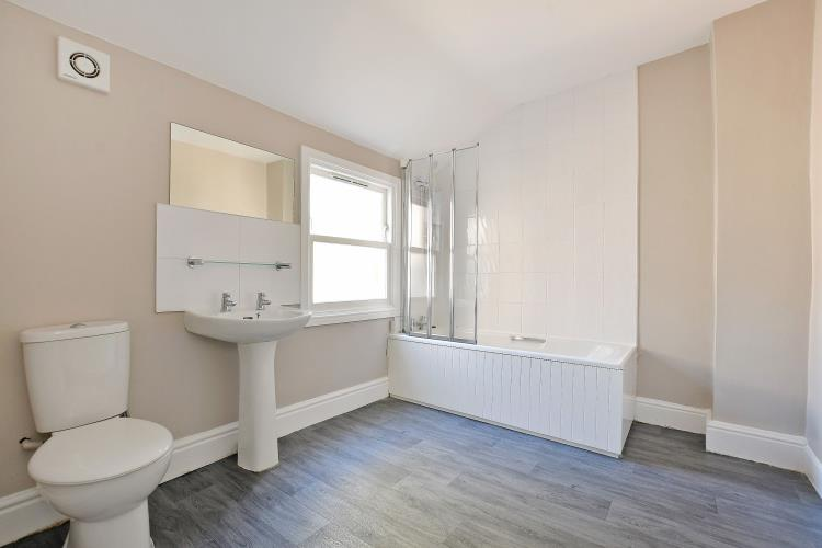 Newly refurbished 4 bedroom house in Broomhill<br>191 Whitham Road, Broomhill, Sheffield S10 2SN