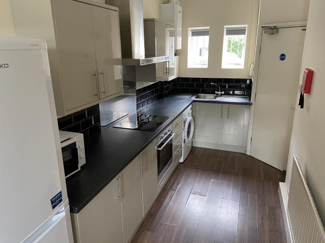 Large modern 3 bedroom flat located in Crookesmoor<br>243A Crookesmoor Road, Crookesmoor, Sheffield S6 3FQ